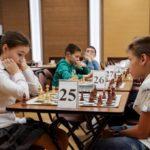Школьники из Ханты-Мансийска стали победителями Окружного турнира по шахматам «Белая ладья»
